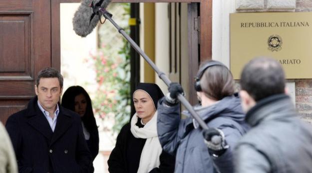 Ascolti tv giovedì 22/12/2011: Che Dio Ci Aiuti vince la serata