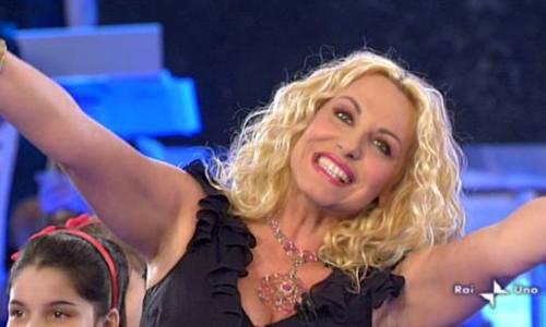 Programmi tv stasera, oggi 3 dicembre 2011: La Festa di Ti lascio una canzone, Il capo dei capi