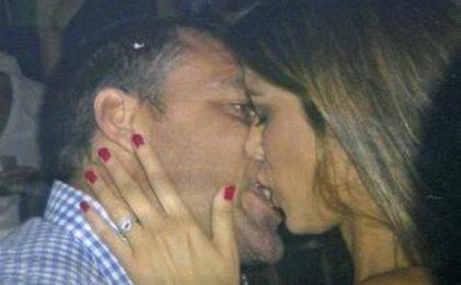 Christian Vieri e Aida Yespica: passione al bacio