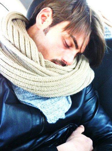 Uomini e Donne, Pamela incomprensibile: bacia Francesco e torna in studio