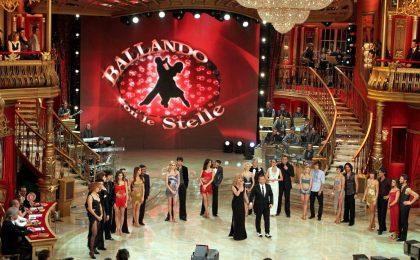 Ballando con le Stelle 8: Fisichella balla per la Carlucci (in attesa di Laura Esquivel)