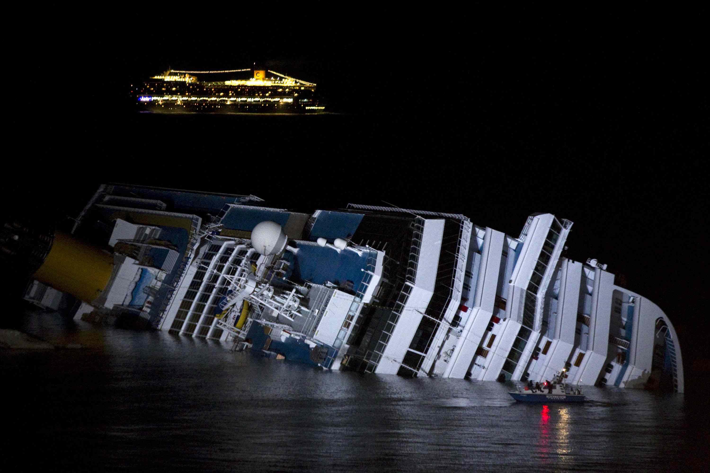 Naufragio Costa Concordia, Mediaset va di staffetta: lo speciale TgCom 24 dà la linea a Matrix
