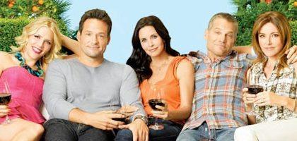 Cougar Town 3, arriva David Arquette; gli spoiler di Bill Lawrence e il poster promozionale