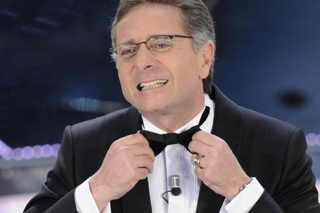 Sanremo, Mazzi bacchettato anche da Bonolis: 'Nel 2005 e nel 2009 ero io il direttore artistico'