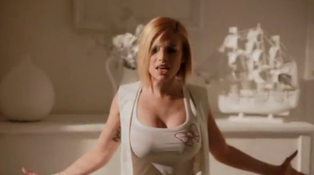 Sanremo 2012: Emma Marrone già superfavorita; a rischio Rocco Papaleo, infortunato