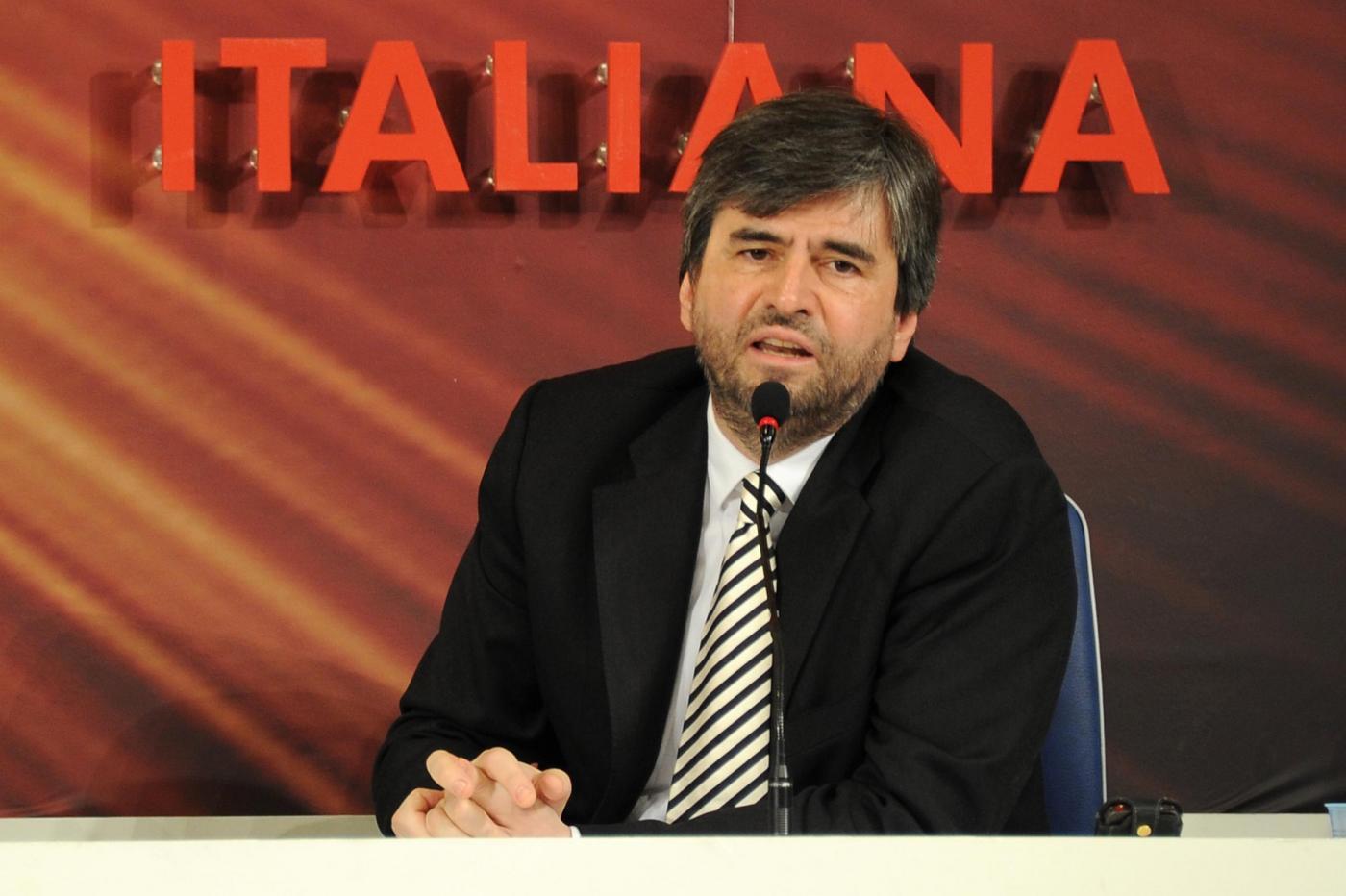 Sanremo 2012, il prevedibile Verro distorce l'addio di Mazzi: 'Brava la Rai a cacciarlo'