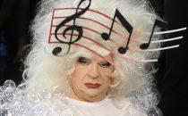 Sanremo 2012, tutti i duetti dei Big di venerdì 17 febbraio. Platinette canta con i Matia Bazar
