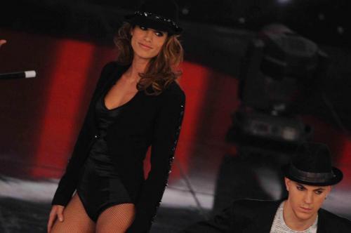 Festival di Sanremo 2012, Elisabetta Canalis e Belen Rodriguez sostituiscono un'ancora acciaccata Ivana Mrazova