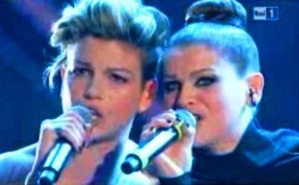 Sanremo 2012, Emma e Alessandra conquistano l'Ariston [VIDEO]