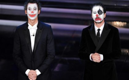 Sanremo 2012, dai clown Luca e Paolo lezioni di stile per Rai e Celentano