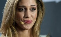 Belen Rodriguez senza veli su Vanity Fair, prima della sua apparizione a Sanremo 2012