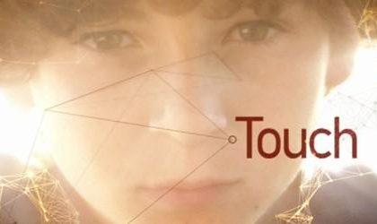 Touch, la nuova serie di Tim Kring e Kiefer Sutherland su Fox Italia dal 20 marzo, in contemporanea con gli Usa