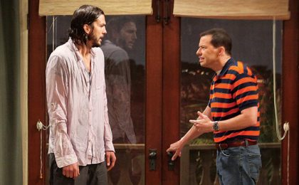 Two and a Half Men, si tratta il rinnovo: CBS vuole un biennale, Kutcher un mln di dollari