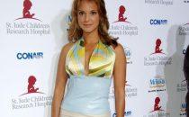 Eva LaRue scritturata nella comedy senza titolo di Mandy Moore; addio a CSI Miami?