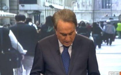 Emilio Fede al Tg4 litiga in diretta col cellulare: che figura…