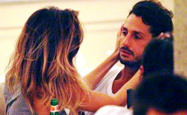 Fabrizio Corona e Belen Rodriguez, rissa a Milano tra urla e brindisi
