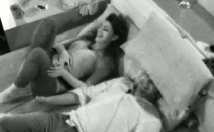 Grande Fratello 12 hot: Ilenia impazzisce, Patrick bacia tutte e scatta la 'censura'