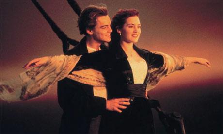 Ascolti Tv domenica 15 aprile 2012: Una Grande Famiglia non affonda il Titanic