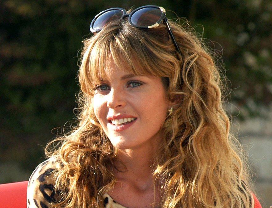 Le tre rose di Eva: Elisabetta Pellini si racconta in un'intervista esclusiva