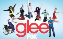 Glee 4, svelati i ruoli di Kate Hudson e SJ Parker, chi resta e chi va, un tributo a Britney