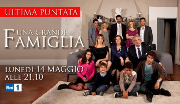 Programmi tv stasera, oggi 14 maggio 2012: Quello che (non) ho, Scherzi a parte, Una grande famiglia