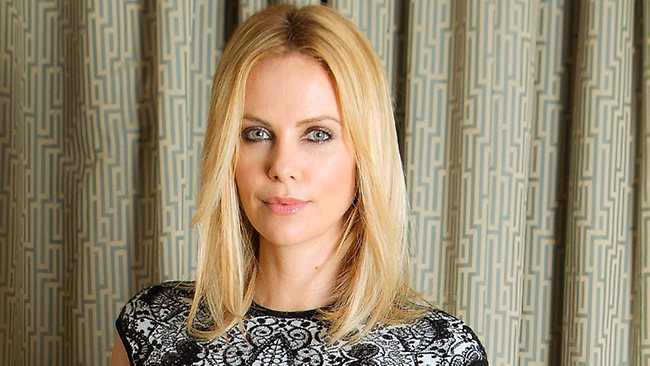Charlize Theron produttrice per ABC, sogna di apparire in Game Of Thrones