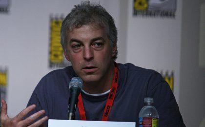 Fringe 5, Jeff Pinkner lascia per nuovi progetti. Gli spoiler di John Noble