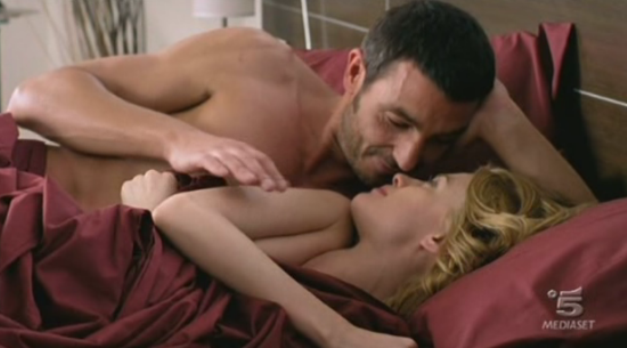 Programmi tv stasera, oggi 15 luglio 2012: Le due facce dell'amore torna in seconda serata