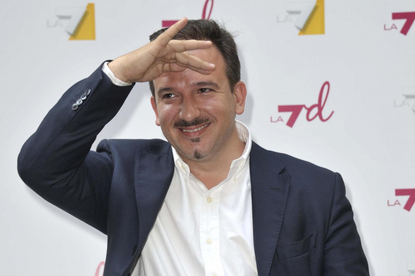 Luca Telese attacca Aldo Grasso su Twitter: 'È un grasso bilioso mistificatore'