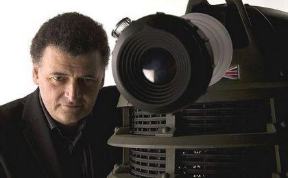 Doctor Who, Steven Moffat smentisce un film a breve, ma dice: 'Ci piacerebbe farlo'