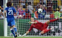 Programmi tv stasera, oggi 15 agosto 2012: Italia-Inghilterra e Ufficiale Gentiluomo