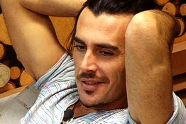 Grande Fratello 12 hot: Fabrizio Conti in un clamoroso triangolo