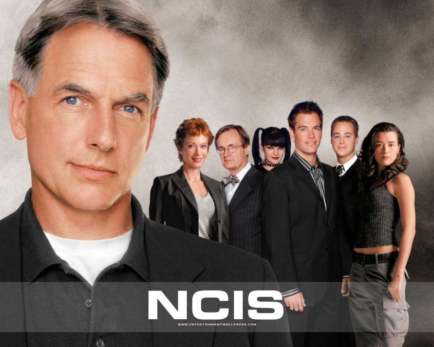 Ascolti tv venerdì 24 agosto 2012, testa a testa Me lo dicono tutti! e NCIS