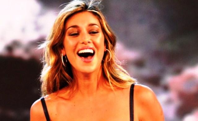 Belen Rodriguez contro Emma Marrone: 'Le sue fan? 14enni gelose del mio successo'