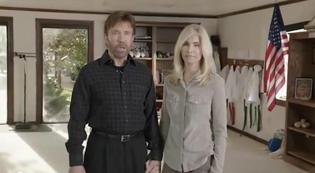 Chuck Norris contro Obama: 'Votate Romney, salvate l'America' [VIDEO]