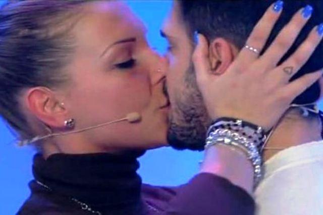 Uomini e Donne gossip, Cristian minaccia: 'Non parlate di Paola Frizziero, amo solo Tara'