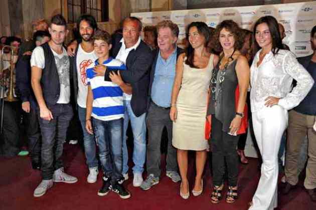 Ascolti tv venerdì 14 settembre 2012: i soliti Cesaroni battono tutti