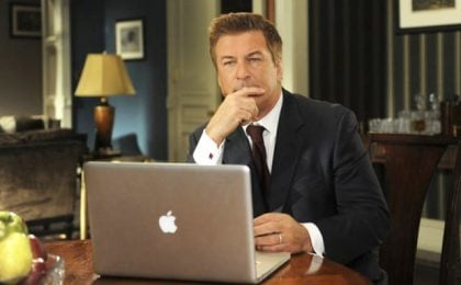 30 Rock: Alec Baldwin pronto a tagliarsi lo stipendio per far continuare la serie tv
