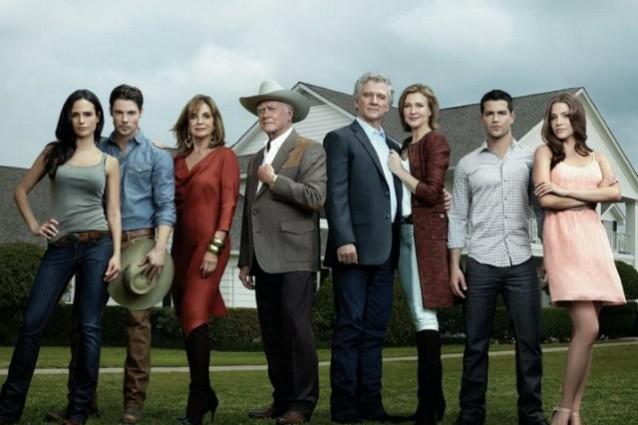 Programmi tv stasera, oggi 16 ottobre 2012: il ritorno di Dallas e Italia-Danimarca