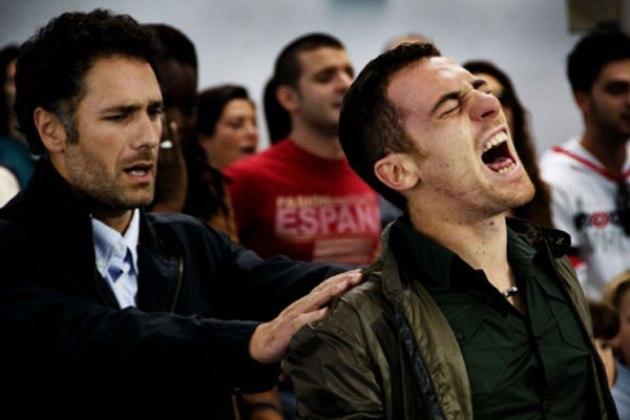 Programmi tv stasera, oggi 5 ottobre 2012: I Cesaroni 5, Tale e Quale Show, La nostra vita
