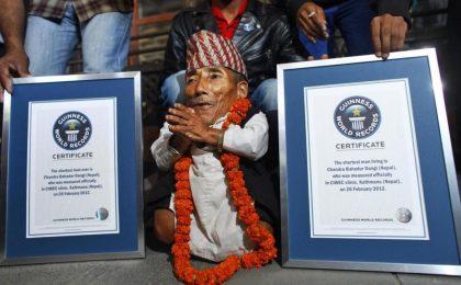 Lo Show dei Record, anticipazioni 6a puntata: ospite l'uomo più piccolo del mondo [FOTO]