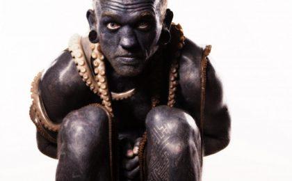 Lo Show dei record, anticipazioni 5a puntata: ospite l'uomo più tatuato al mondo [VIDEO]