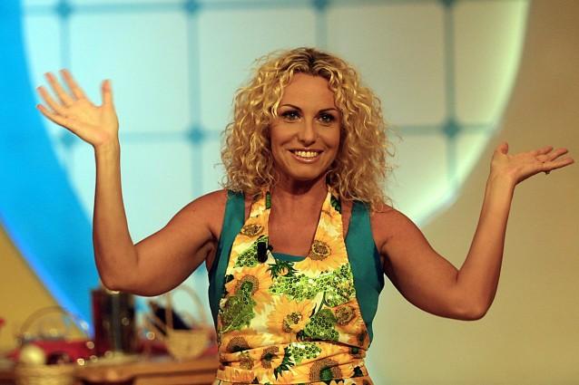 La Prova del Cuoco: Antonella Clerici abbandona la puntata a causa di una colica