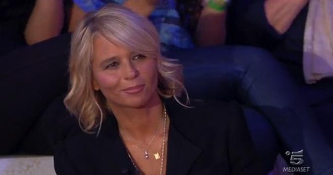 Ascolti TV sabato 3 novembre 2012: C'è posta per te vince contro Ti lascio una canzone