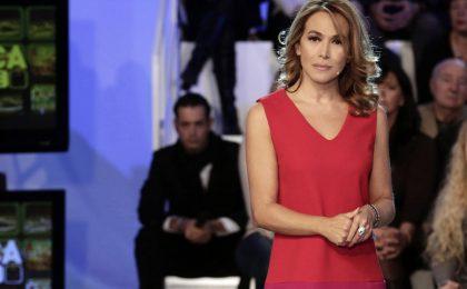 La Domenica Live di Barbara D'Urso fa flop, stravince Lorella Cuccarini su RaiUno