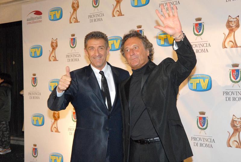 C'è posta per te: Ezio Greggio, Enzo Iacchetti ed Edinson Cavani ospiti della nona puntata