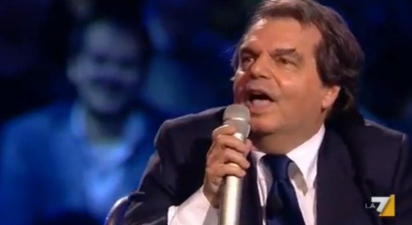 Servizio Pubblico, lite fra Santoro e Brunetta: l'ex ministro gli dà dell'ignorante [VIDEO]