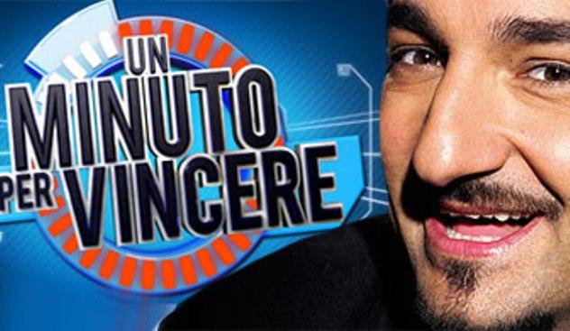 Programmi tv stasera, oggi 22 novembre 2012: debutta Un minuto per vincere con Savino
