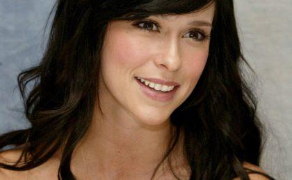 Serie tv: Jennifer Love Hewitt porta su Lifetime un moderno 'Orgoglio e Pregiudizio'