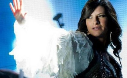 Laura Pausini, il concerto dell'Inedito World Tour 2012 in onda su Canale 5